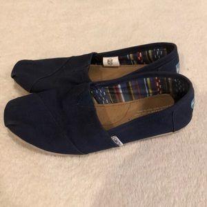 Navy blue Toms classics. Size 8.5